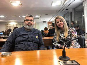Alagoas está representada pelo diretor do SINDPREV-AL, George Rolim e a Assistente Social Cristina Dias.